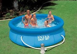 Zwembaden zwembadstructuren seniorennet voor mensen for Klein opblaasbaar zwembad